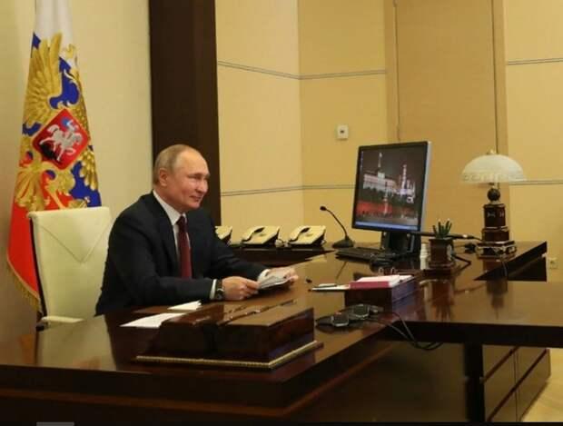 """Путин поручил разобраться с зарплатами ученых в регионах: """"Где деньги, Зин?"""""""