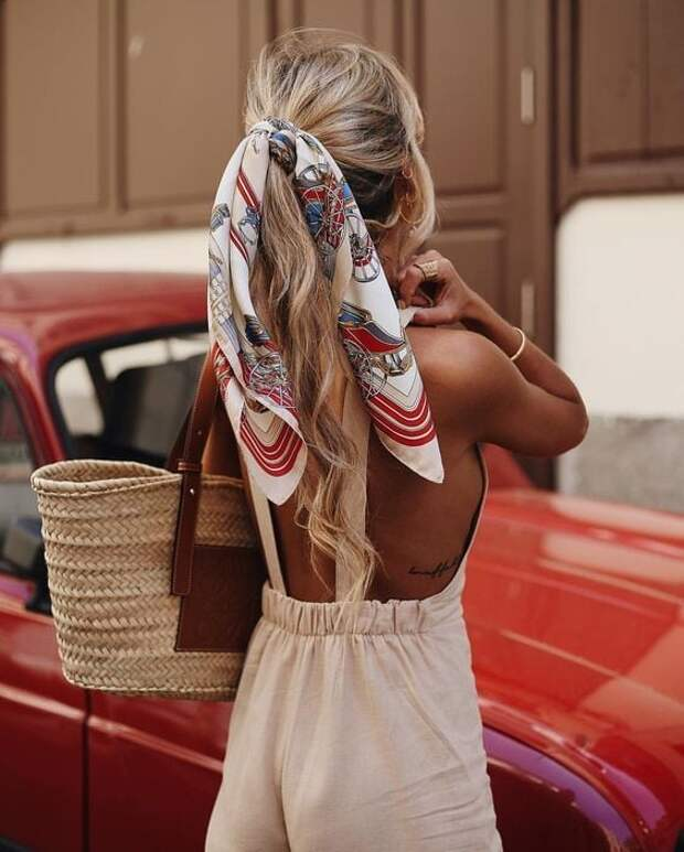 10 лёгких и модных причесок с платком: фото идеи укладок на лето