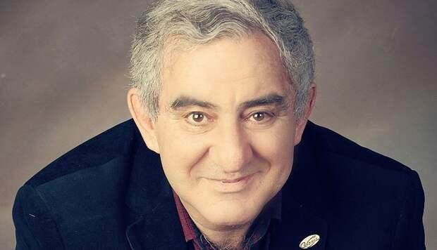 Михаил Казиник: «Забирать у детей детство, чтобы сообщать им кучу информации, – это преступно»