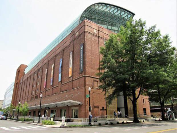 Музей Библии в Вашингтоне, округ Колумбия, США.