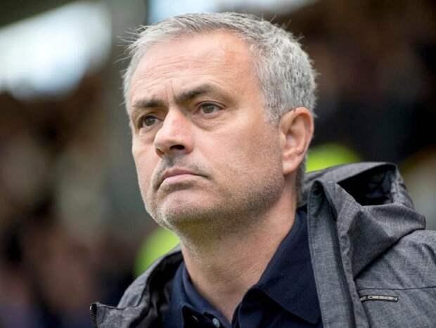 «Тоттенхэм» уволил Жозе Моуринью с поста тренера: СМИ назвали неожиданную причину