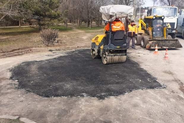 В Симферополе отремонтировали дороги на 13 улицах