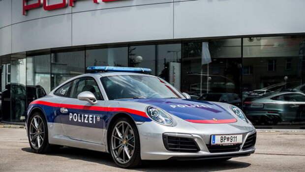 Porsche 911 отправляется защищать закон (австрийский)