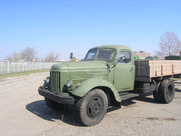 ЗИЛ-164 – самый известный советский грузовик 1960-х годов