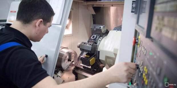 Собянин осмотрел инновационное производство эндопротезов в Москве