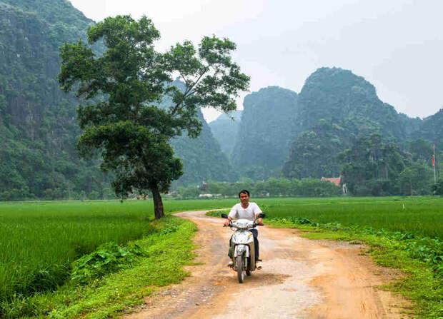 Village Tam Coc, Ninh Binh Province, North Vietnam