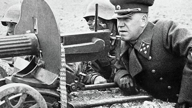 Малиновский против Жукова: почему враждовали советские маршалы