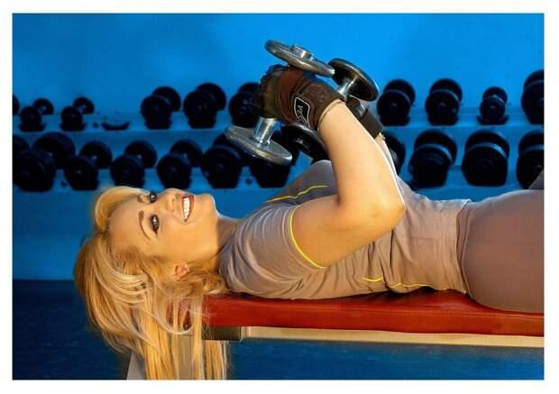 gym-457072_1280-1024x722 Как избавиться от неловкости при посещении спортзала? Полезные советы