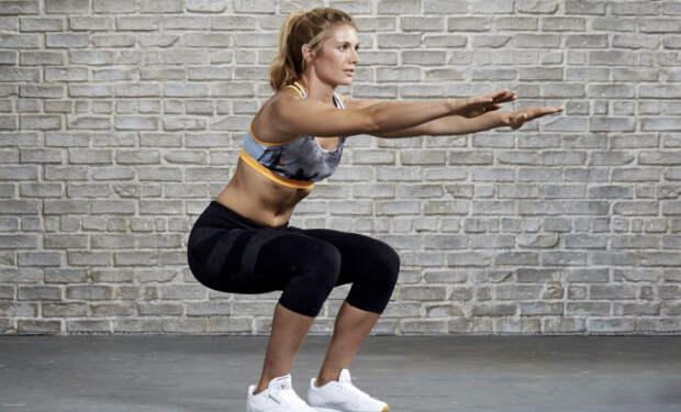 Тренировка по 100 приседаний в день: превращаем толстый живот в пресс методом лентяя