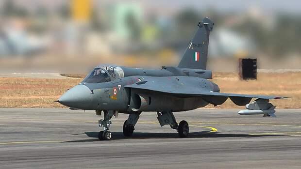 Легкий истребитель четвертого поколенияTejas ВВС Индии
