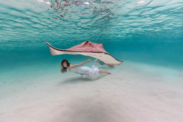 Окенаида: 15 завораживающих подводных фотографий прекрасной девушки-русалки