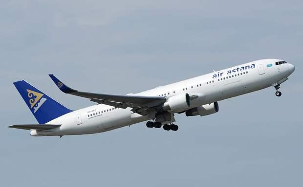 Самолет Нур-Султан–Стамбул совершил вынужденную посадку в Атырау