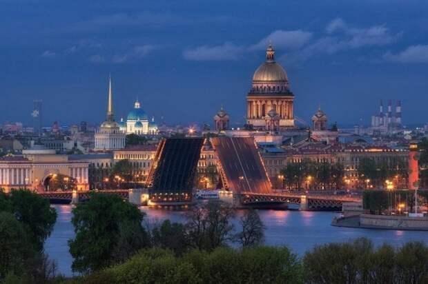 Dostoprimechatelnosti-Sankt-Peterburga.-TOP-40-glavnyh-mest-Pitera-1024x681