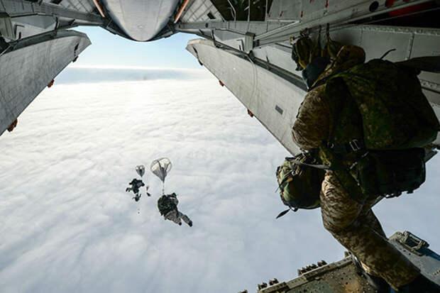 Купол воздухом наполнен: Зачем десанту парашюты