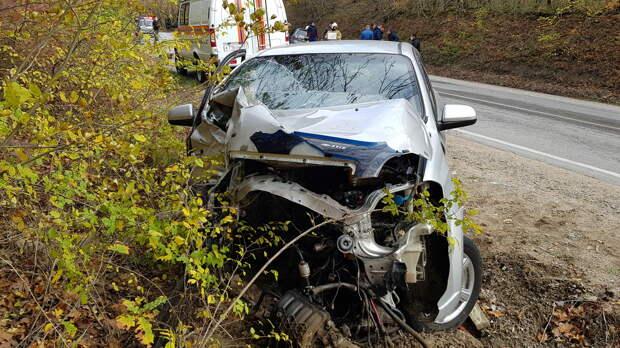 В районе Судака столкнулись два автомобиля, есть пострадавшие