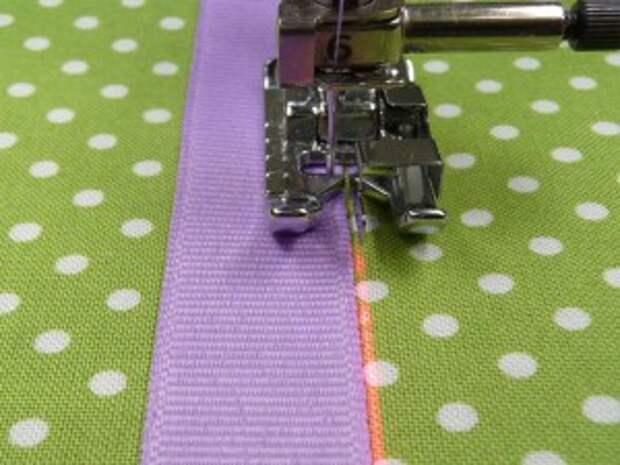 Свободно-ходовая вышивка: Пришивание декоративных лент