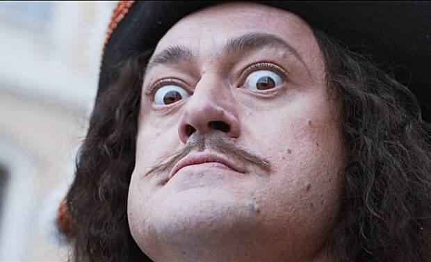 На 10 лет старше и бородавка у носа. Из Голландии вернулся не Петр I?