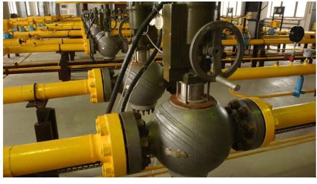 И контракт заключить, и в суде отыграться: Киев не намерен отказываться от газовых претензий к России