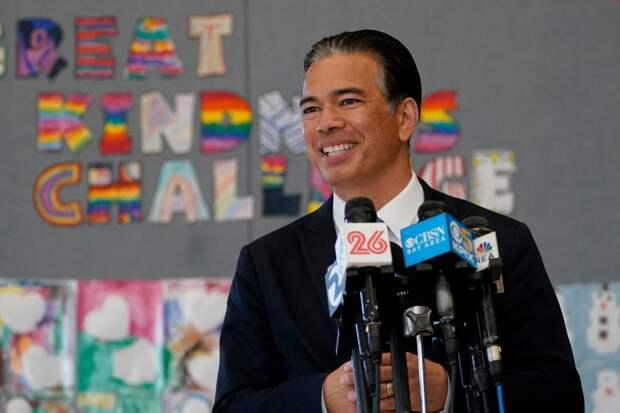 Калифорния запретила официальные поездки во Флориду и еще 4 штата из-за дискриминации членов сообщества ЛГБТ