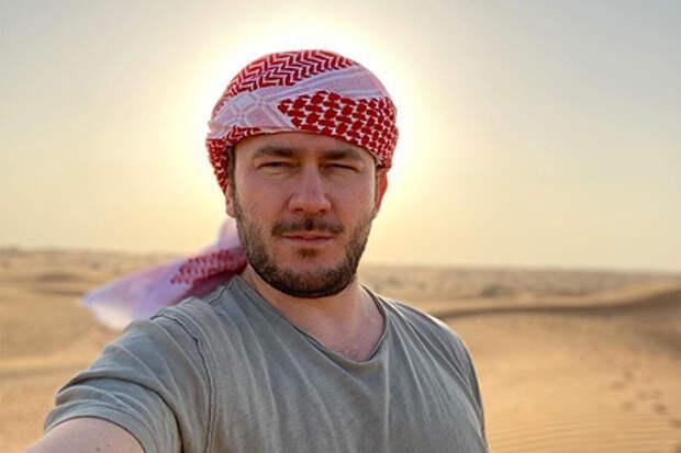 Чеченцы пригрозили расправой Дмитрию Глуховскому за сценарий к сериалу «Топи»