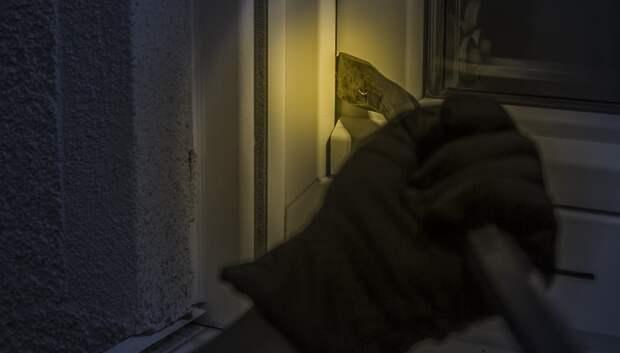 Житель Подольска украл из квартиры 2 телевизора и ноутбук