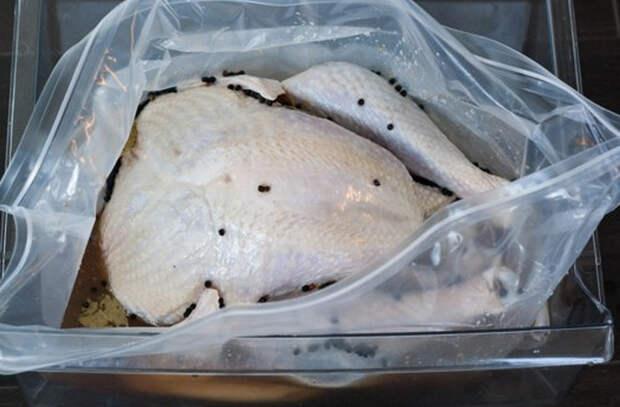 Маринуем и вымачиваем мясо: жесткие куски становится мягкими и сочными