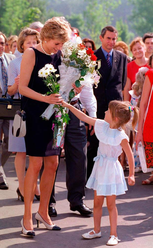 Принцесса Диана: история в фотографиях