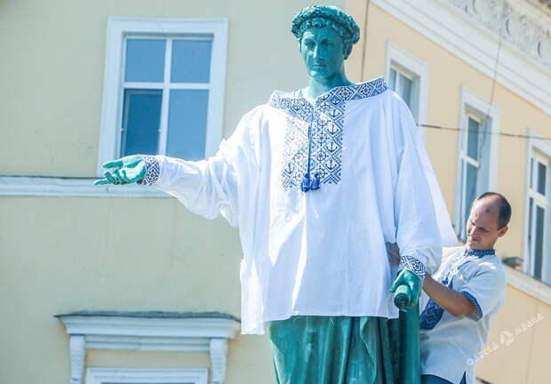 Село и люди: В Одессу – из коровника