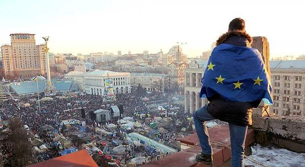 Украина: шин, кастрюль и пустых голов у нас еще много!