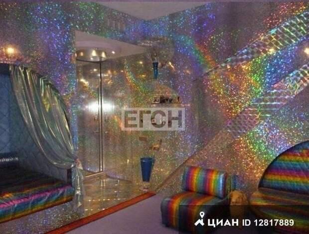 """Квартира в стиле """"дорохо-бохато"""" за 27 млн рублей в Москве. И ведь кто-то купит!"""