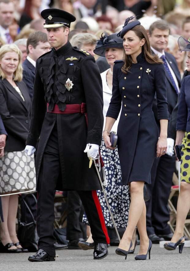 Королевский стиль: 15 осенних пальто Кейт Миддлтон