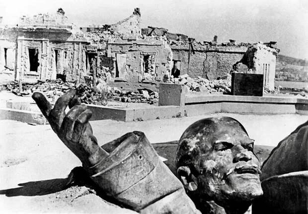 Дима Мишенин: Одни памятники реставрируют, а другие их сносят