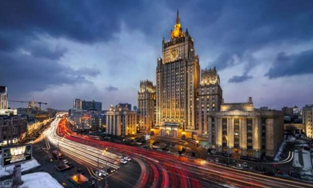 Последнее предупреждение Кремля: МИД РФ – Россия готова принять в жертву украинскую пешку