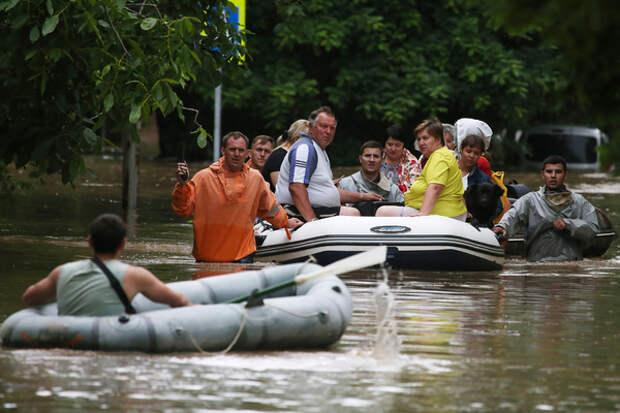 Жителей Ялты призывают не выходить из домов из-за дождей
