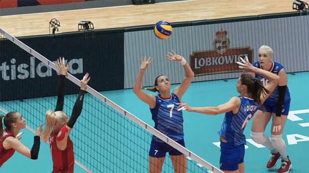 Прогресс с каждым матчем, потеря Фетисовой и сложная сетка плей-офф: как российские волейболистки выступают на ЧЕ