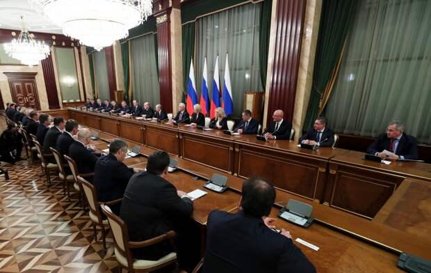 Новое правительство России: Наполовину украинское