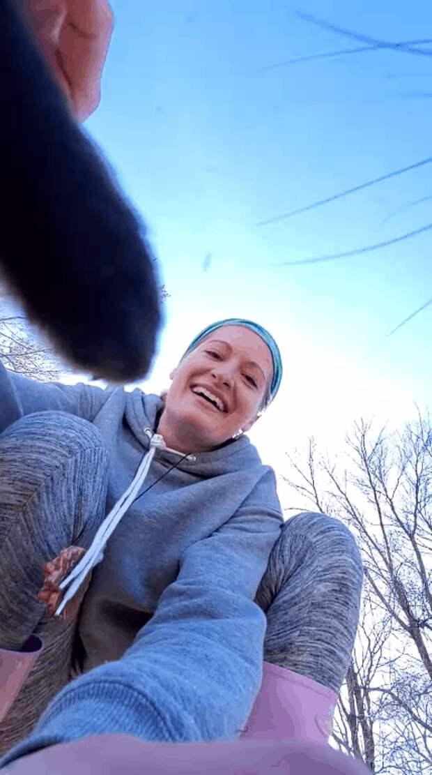 Наглая рыжая морда! Лиса украла телефон с включенной камерой и сняла свой побег