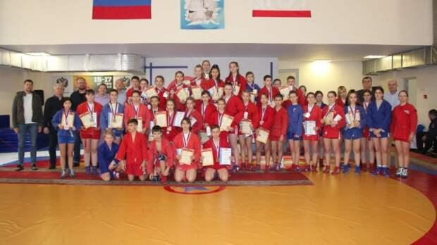 В Ялте прошел традиционный VI турнир по самбо