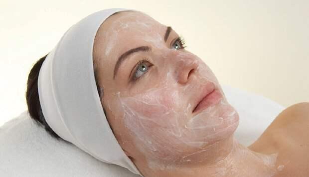 ТОП 5 уходовых процедур за лицом и телом, которые нужно делать женщине 50+ во время карантина