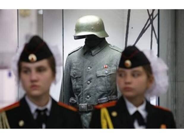России не нужно останавливаться на легализации свастики