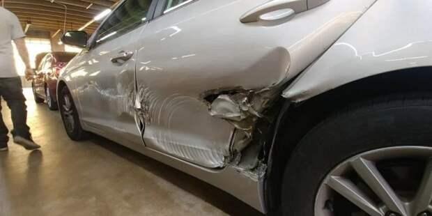 Получаются вот такие вот повреждения. авто, автомобили, вандализм, дверь, дтп, колесо, тюнинг, царапина