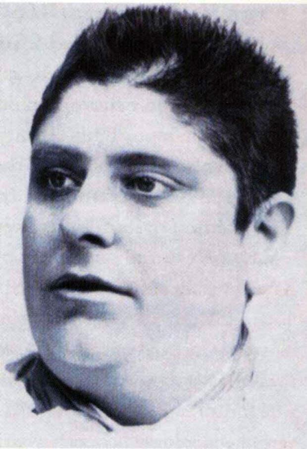 Алессандро в 19 лет. /Фото:coromoreschi.it