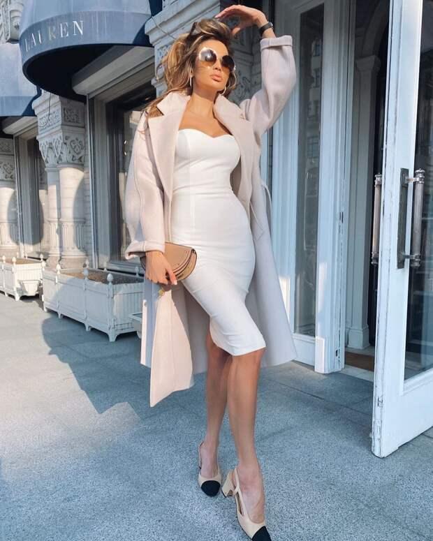 С чем стильно носить платье с коротким рукавом осенью: 10 модных идей