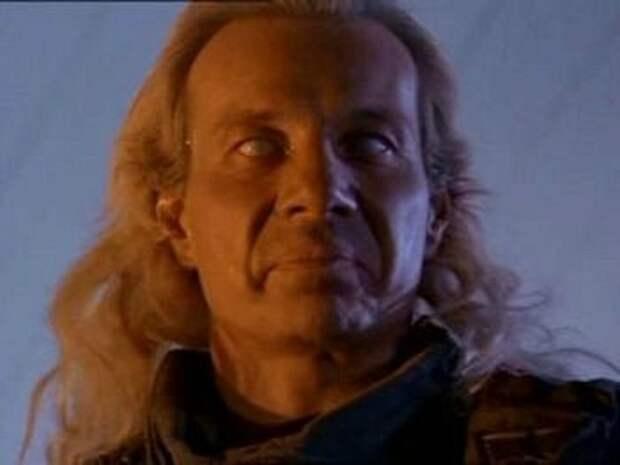 Маттиас Хьюз. Темный ангел боевиков 90-ых.