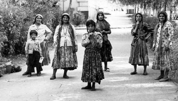 Цыганские колхозы СССР. Почему советская власть не смогла заставить работать кочевой народ