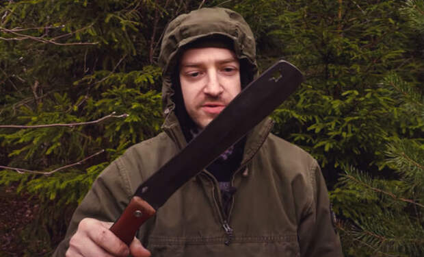С мачете в лесу: заменяет собой 3 других инструмента