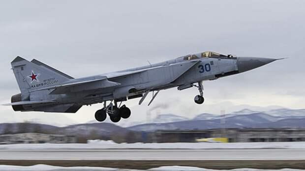 Истребитель МиГ-31 экстренно сел в аэропорту Перми