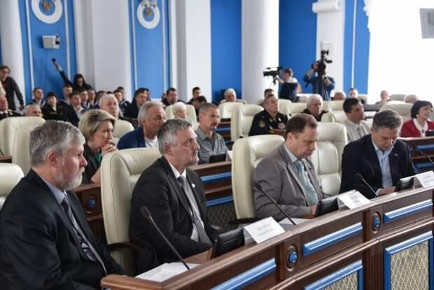 Почему чаловские депутаты игнорируют мнение горожан о гербе Севастополя?