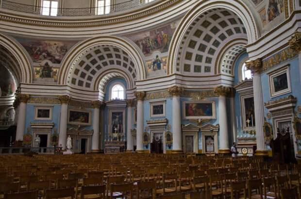 Церкви, которых не берут бомбы