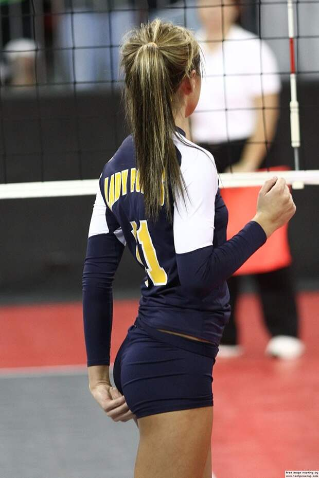 Девушки и волейбол